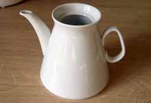 просто белый чайник