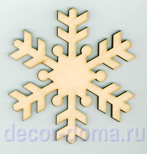 Деревянная снежинка