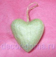 Сердце с петелькой-подвесом, фигурка из <i>декупаж фигурок из папье-маше</i> папье-маше объемная