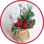 Букетик-мешочек новогодний, белые помпончики и остролист