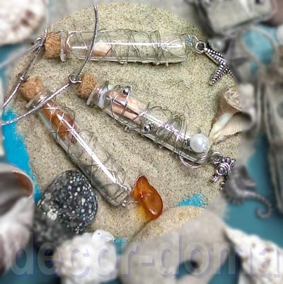 Кулоны, украшения из маленьких стеклянных бутылочек, морская тема