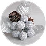 Букетик новогодний, шишечки и серебро